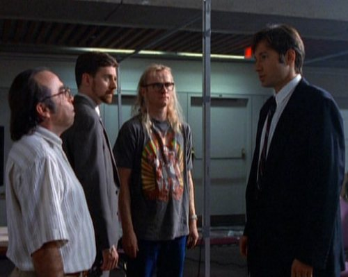 Fox_Mulder_and_the_Lone_Gunmen_(1989)